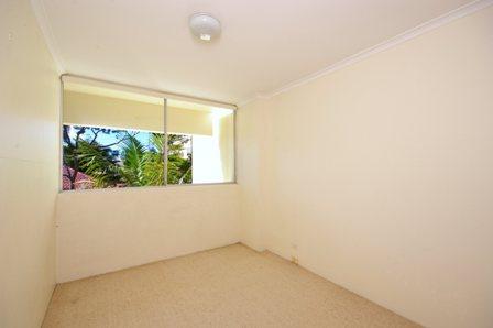 Yeo St, Mosman - Bedroom 2 - Before.jpg
