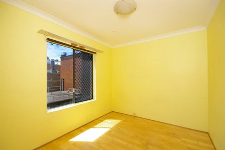 The Strand, Dee Why - 2nd Bedroom Before.jpg