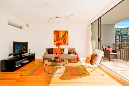 Home Staging Example - Photo 1.jpg