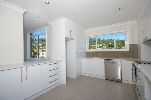 Pittwater Rd Narrabeen - Unit Renovation including Kitchen Renovation and Bathroom Renovation - Kitchen After 2.jpg