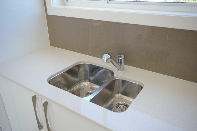 Pittwater Rd Narrabeen - Unit Renovation including Kitchen Renovation and Bathroom Renovation - Kitchen After 4.jpg