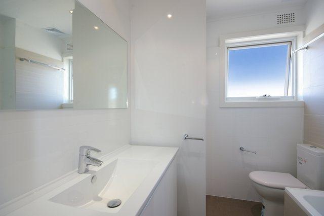 Pittwater Rd Narrabeen - Unit Renovation including Kitchen Renovation and Bathroom Renovation - Bathroom After.jpg