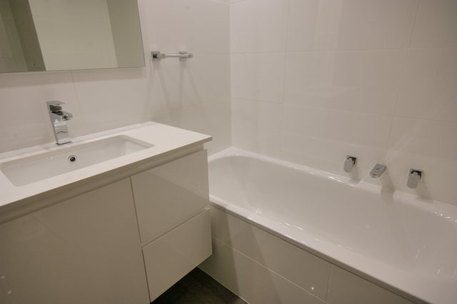 Jersey Rd Artarmon - Unit Renovation including Kitchen Renovation and Bathroom Renovation - Bathroom After 2.jpg