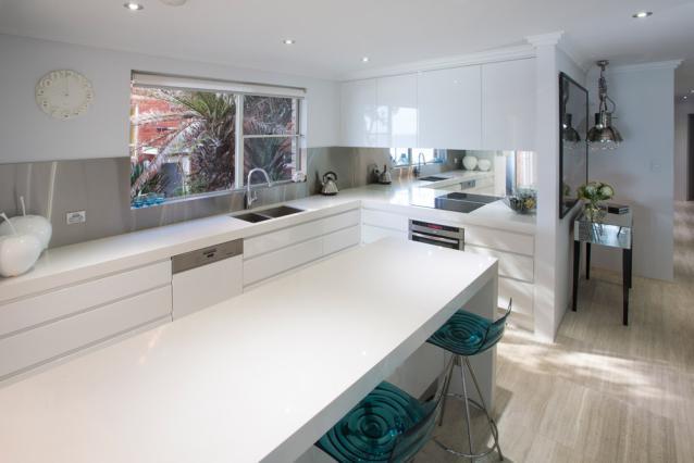 5. Kitchen1.jpg