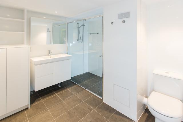 Bathroom1 small.jpg