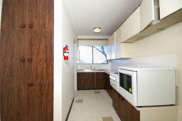 Kitchen1 before.jpg