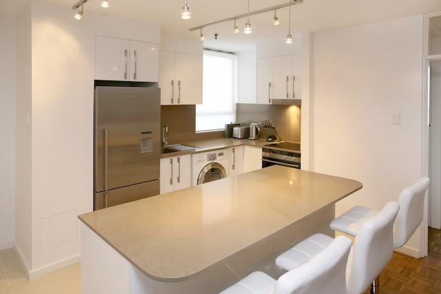 Kitchen2 small.jpg