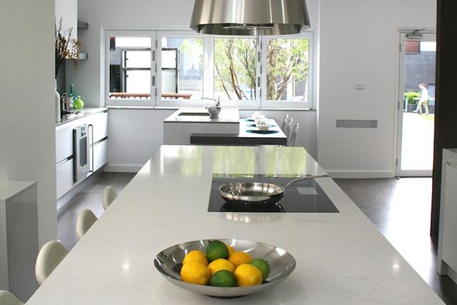 kitchen 2 benchtop-cropped.jpg