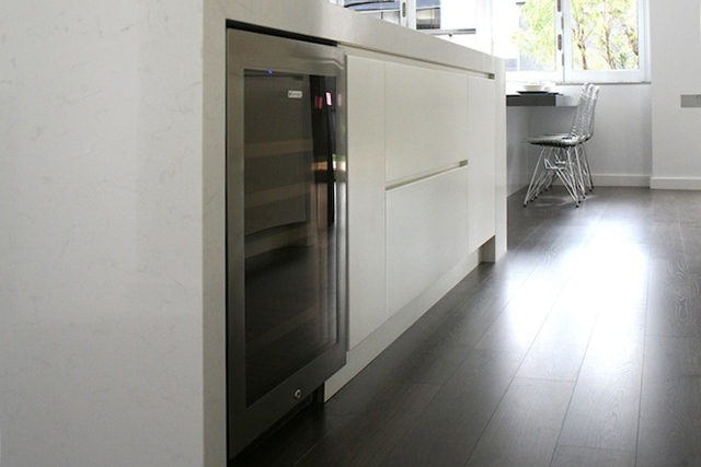 kitchen 2-oven-cropped.jpg